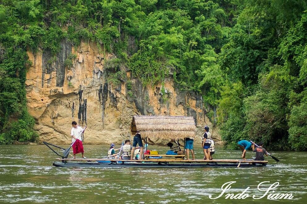Radeau sur la rivière Kwaï